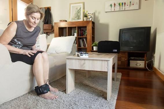 aplicación de magnetoterapia en el tobillo